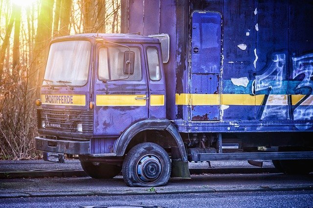 Los Angeles Truck Accidents Caused By Tire Blowouts - Law Firm of David Azizi