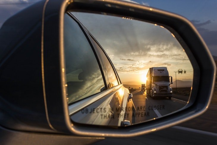 Los Angeles Truck No Zone Accident Lawyer - David Azizi